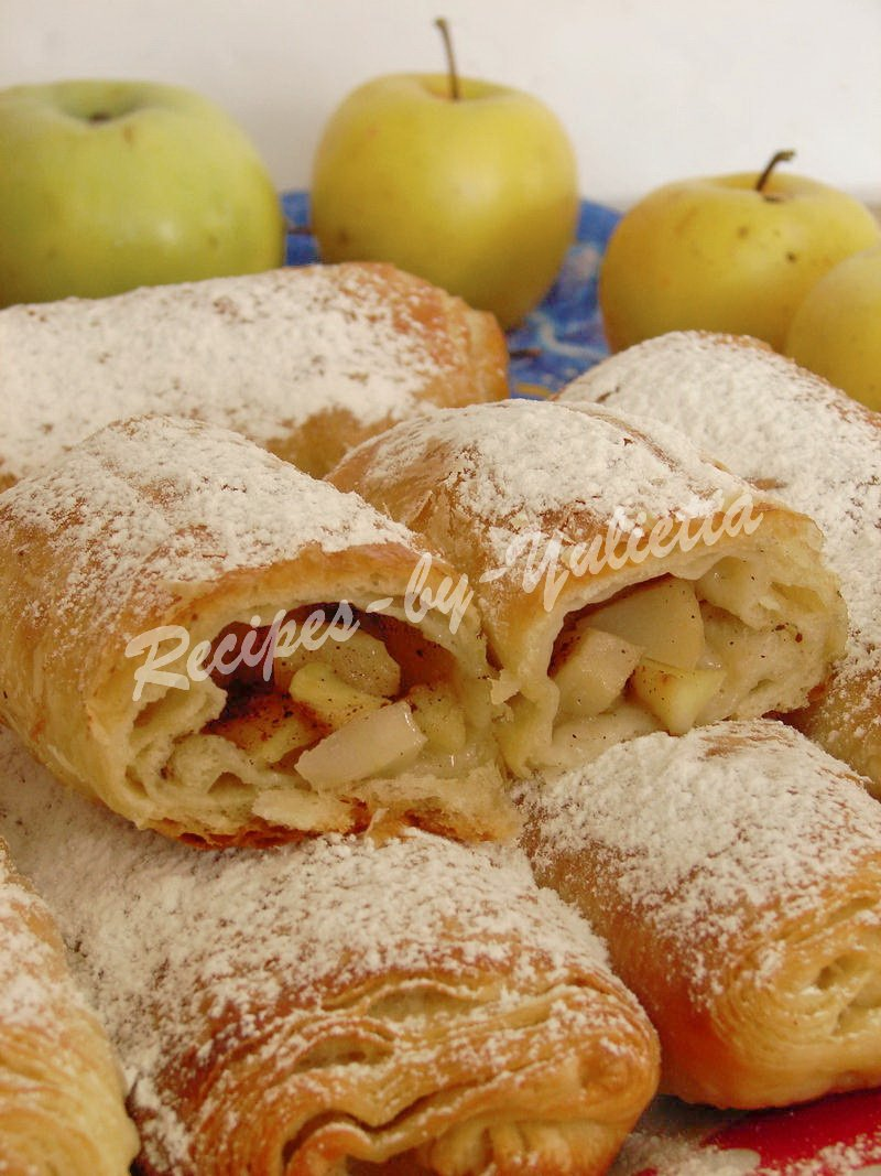delicious apple pastry