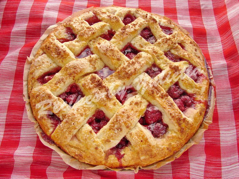 bake the strawberry pie