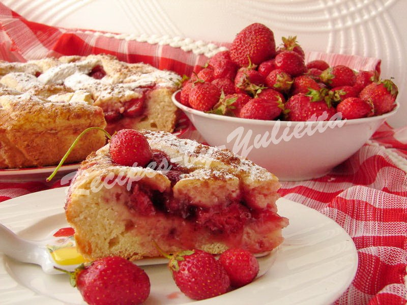 pie with fresh strawberry