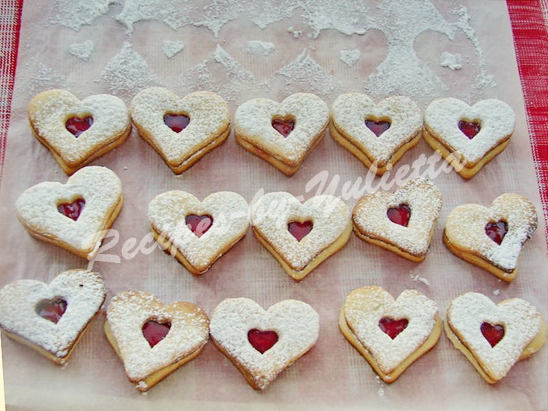 shortcrust hearts with jam
