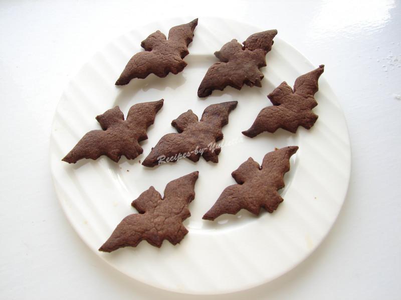 bat cookies for Halloween