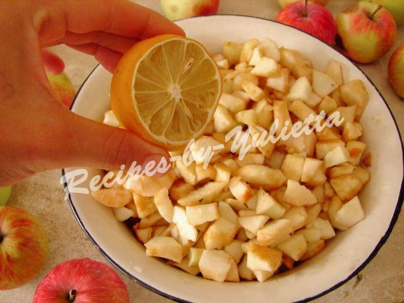 sprinkle cubed apples with lemon juice